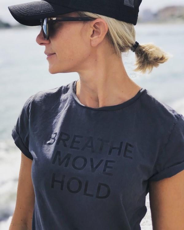t-shirt-breathe-hold-black-yoganest