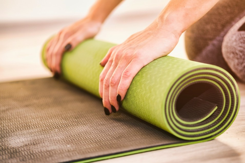 choosing a yoga mat