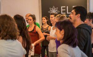 Yoga con cris atreverse y crear comunidad sesiones intimas
