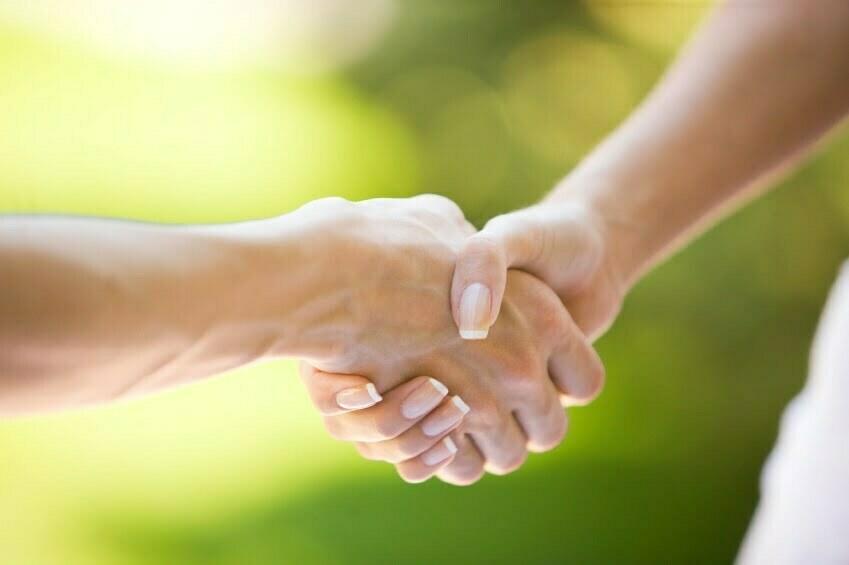 Resultado de imagen de darse la mano