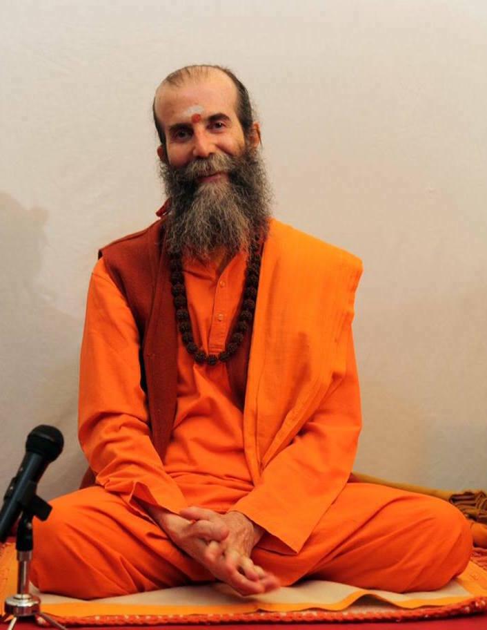 https://i1.wp.com/www.yogaenred.com/wp-content/uploads/2016/06/Swami-Satyananda.jpg