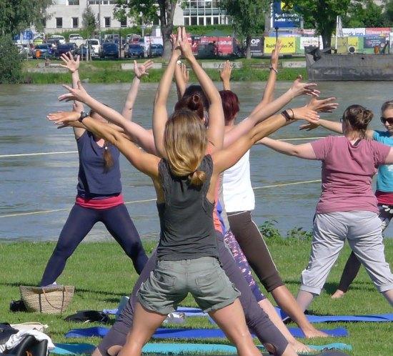 Yoga im Park - Bild 31