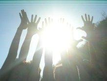 hands_sun