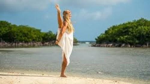 rachel-brathen-prof-yoga
