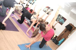 flow & glow event yoga mit jeanette