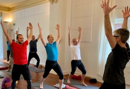 Yoga für Kerle - immer am Sonntag