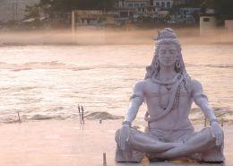Qué son los Niyamas -Yoga y Viajes, 8 ramas del Yoga