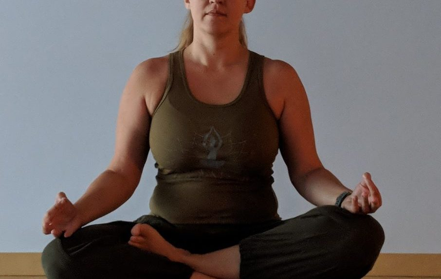 Easy Yoga Pose to Meditate