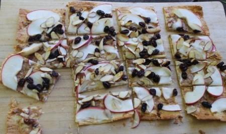 子供といっしょに作るアップルピザ