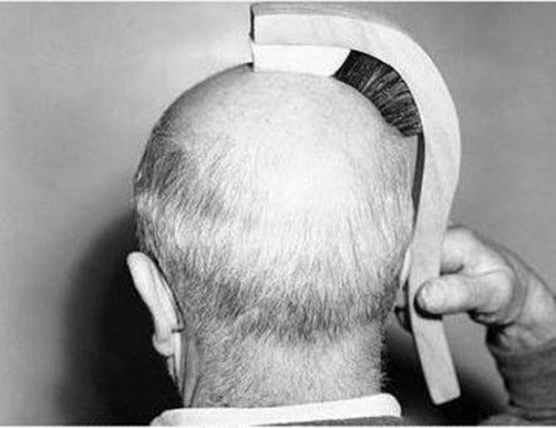 5. Šepetys, vienu metu sušukuojantis plaukus ir nublizginantis plikę