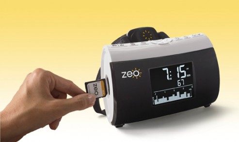 cool-latest-new-best-gadgets-zeo-personal-sleep-coach-sd-card-slot-493x293-2