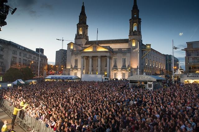 Millenium Square, Live At Leeds