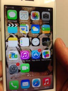 iPhone EE Screengrab