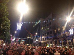 lights-crowd