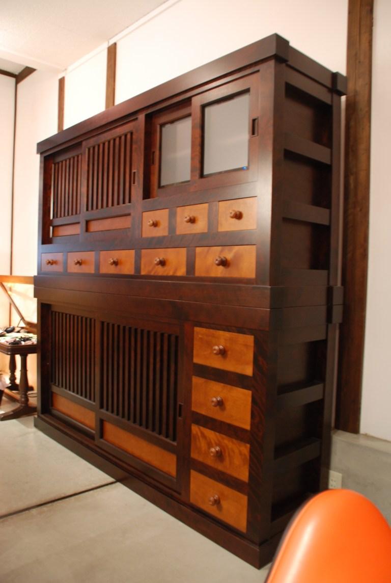 北海道民芸家具食器棚