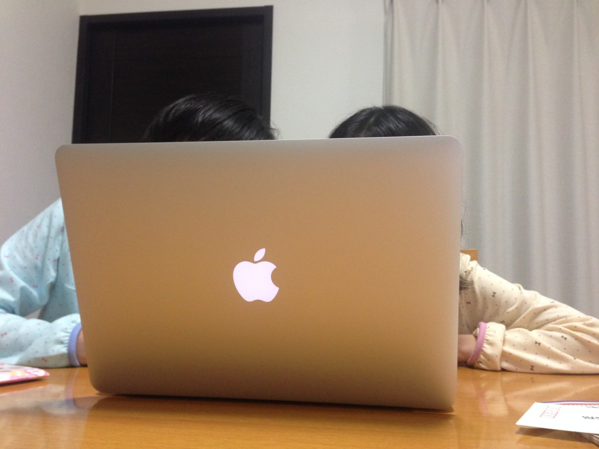 MacBook Air (MBA)買うたった