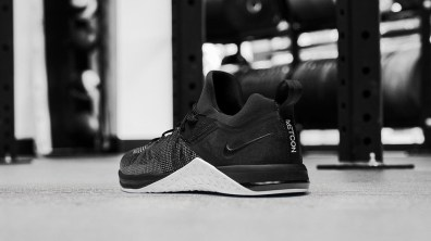 Metcon-DSX-flyknit-3-hombre-back