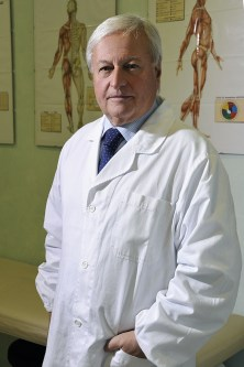 Dr Mario Petracca in camice