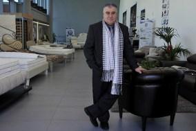 Mauro Monaldi nel negozio