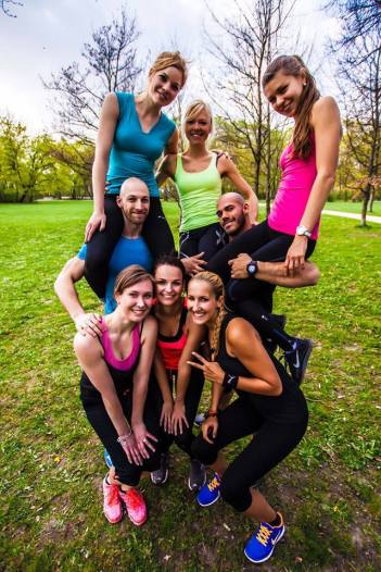 outdoor workout group