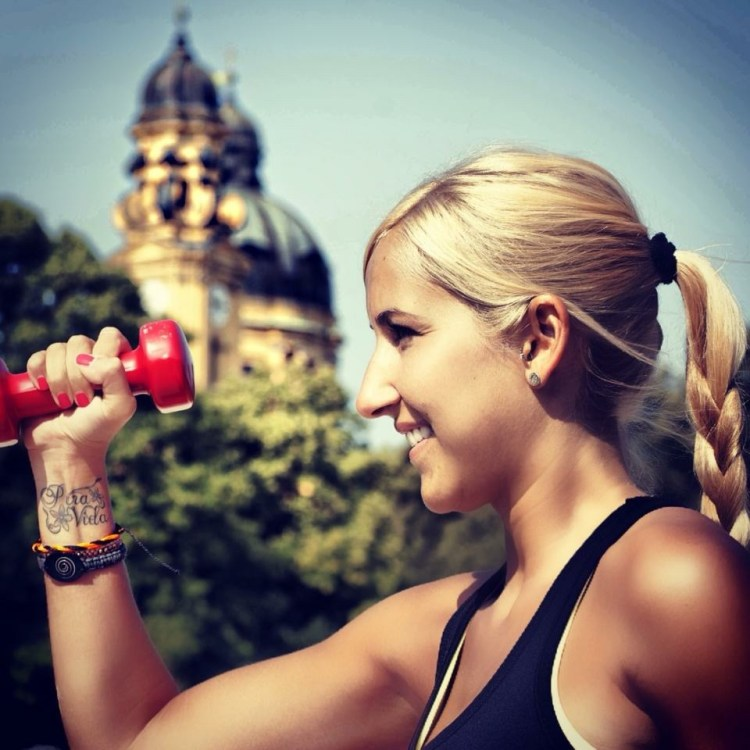 Munich outdoor fitness girl