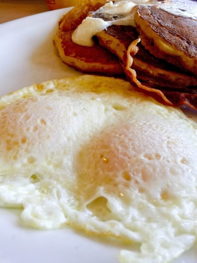 Fried Eggs: What's the Difference? + Fried Eggs Over-Hard Recipe