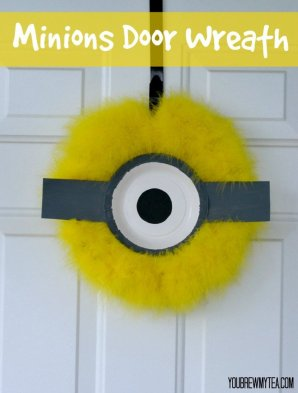 Minions Door Wreath
