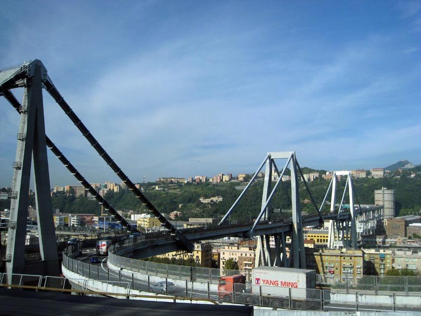 Il ponte Morandi prima del crollo