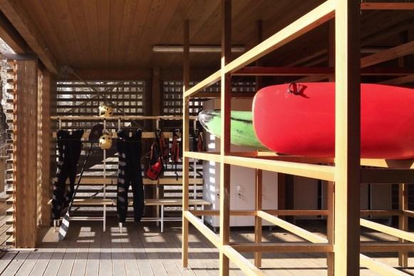 Il deposito delle canoe e delle attrezzature per il rafting