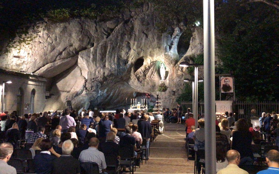 Serata di Pentecoste alla grotta con Don Silvio