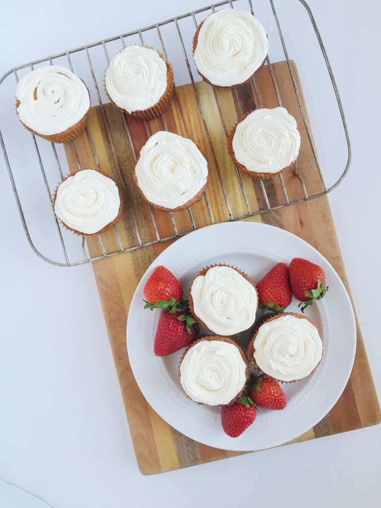 White Cupcake with Buttercream Frosting Recipe