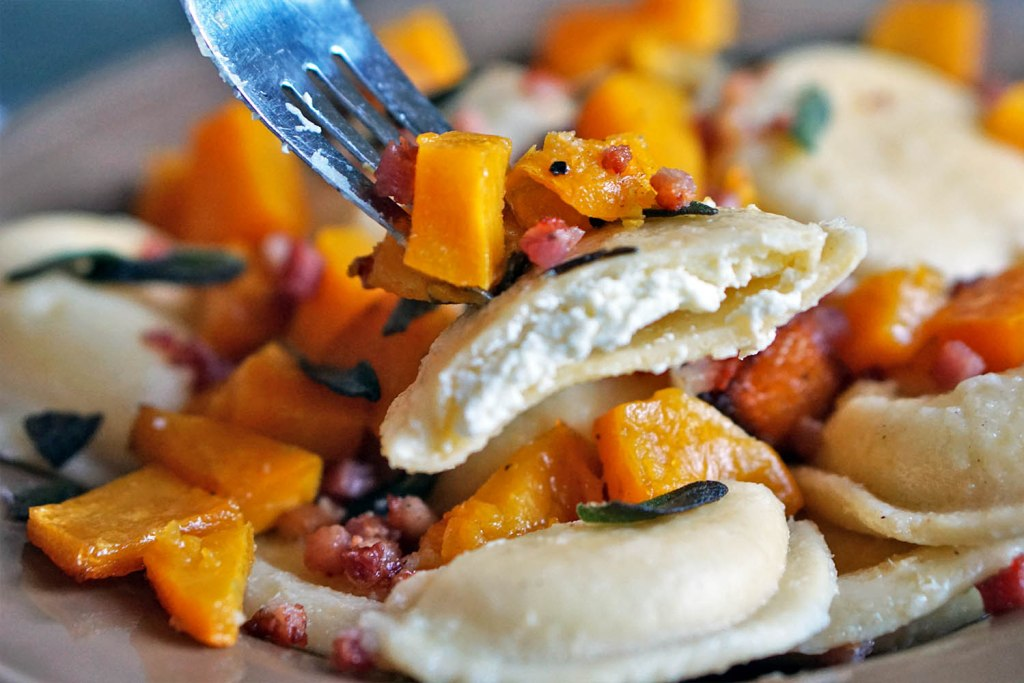 RAVIOLI WITH BUTTERNUT SQUASH & CRISPY SAGE | You Must ...