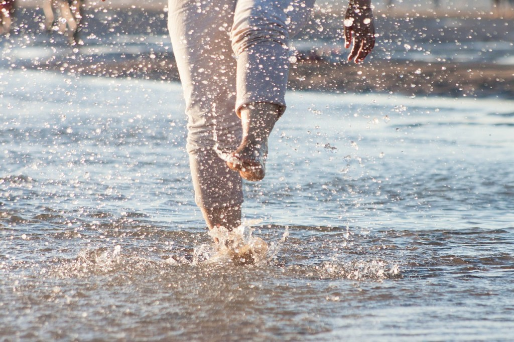 legs splashing in the beach move it monday younfolded blog