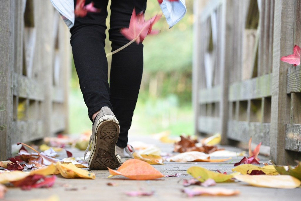 woman walking reduce morning routine stress younfolded
