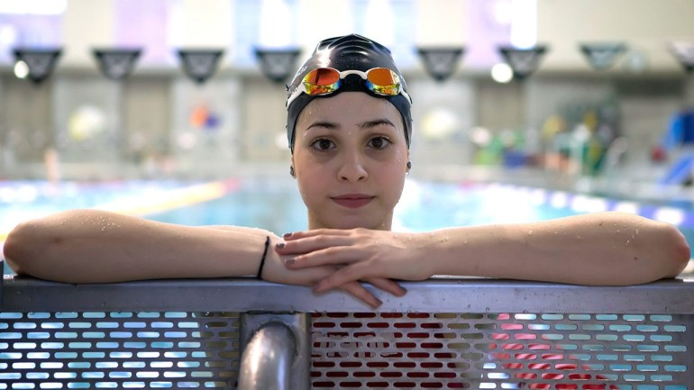 epa05218181 A handout picture made available on 18 March 2016 by the swimming club Wasserfreunde Spandau shows Syrian swimmer Ysra Mardini during a training session in Berlin, Germany, 02 March 2016. Mardini wants to compete in the Olympic Games in Rio for the IOC refugee team. Ysra was a swimming champion in Syria and wants to compete in the Olympic Games in Rio for the IOC refugee team. EPA/MIRKO SEIFERT / HANDOUT (ATTENTION:Editorial use only in connection to the current reporting. MANDATORY CREDIT: 'Photo: Mirko Seifert/dpa') HANDOUT EDITORIAL USE ONLY/NO SALES