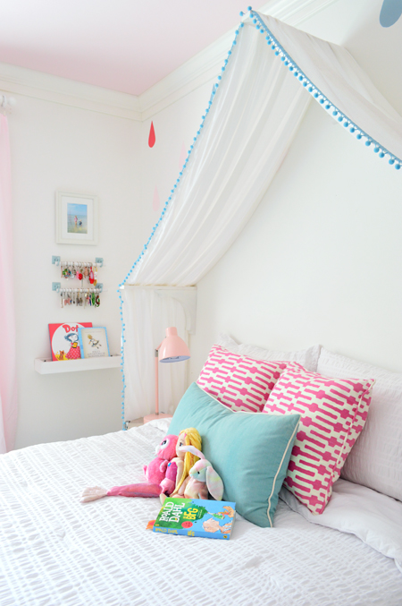 GirlsRoom-Canopy-Bed-Detail