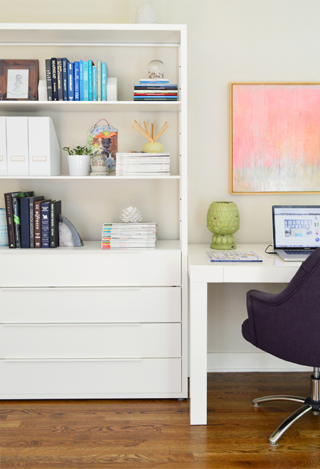 Neutral-Office-Open-Shelves-Ikea