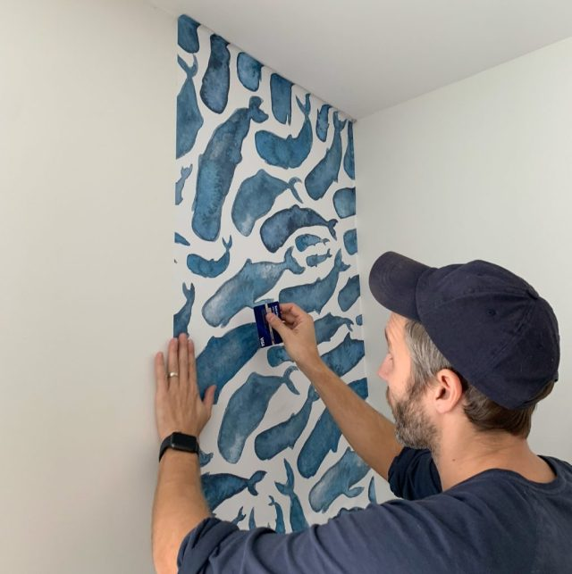 Smoothing Removable Wallpaper With Credit Card