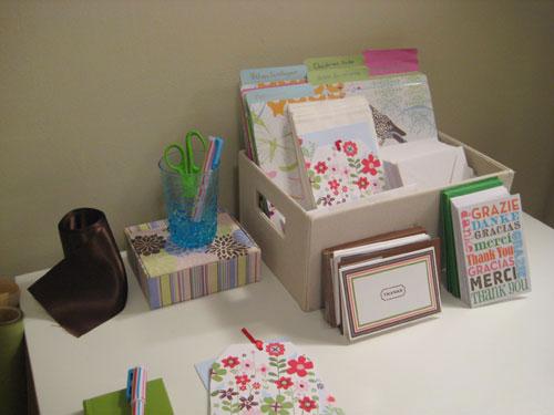 basket-storage-ideas-craft-room-organization-stationery