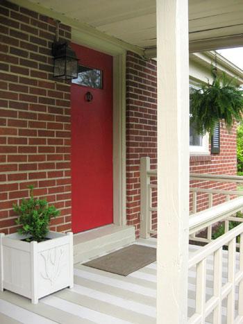 red-door-planter-detail