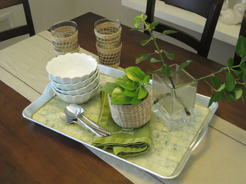 tray-on-table-to-set-the-table-causal-centerpiece