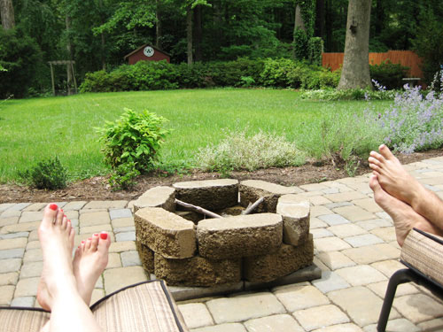 firepit-and-bare-feet-making-smores