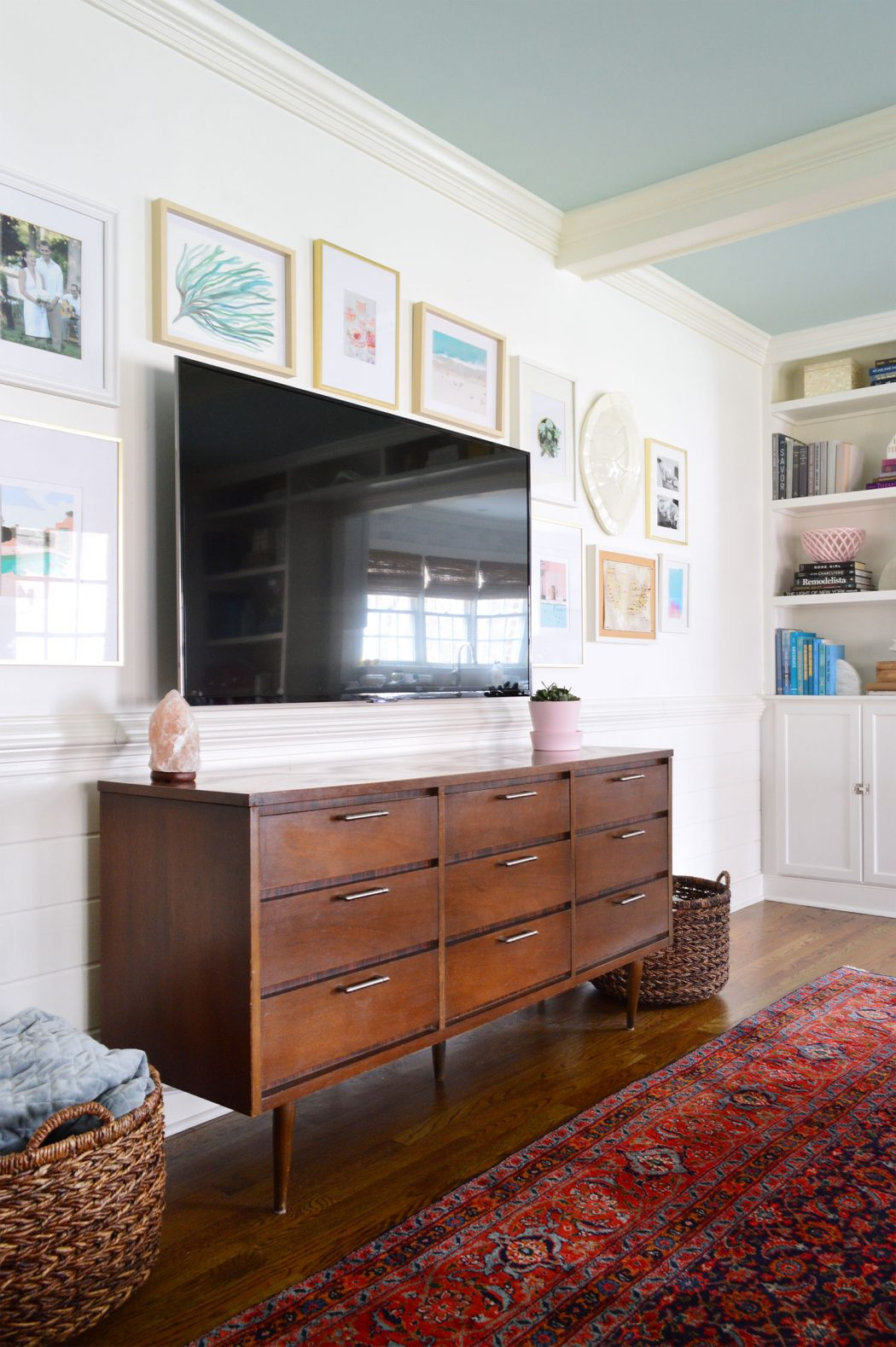 How To Make A Gallery Wall Around A Tv Young House Love