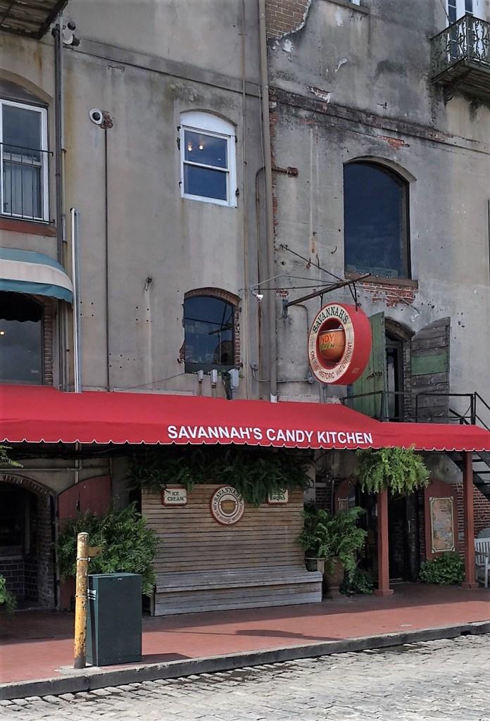 savannah-historic-riverfront