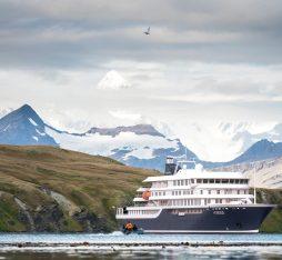 Hondius landscape © Oceanwide Expeditions.jpg_Oceanwide Expeditions-min