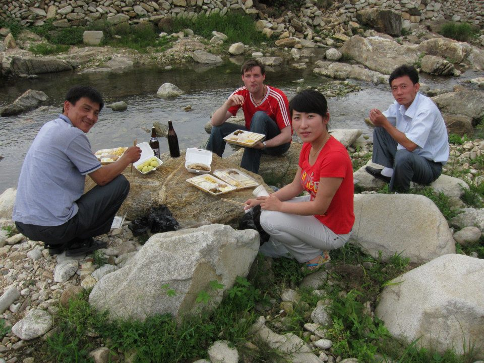Picnic in Haeju city