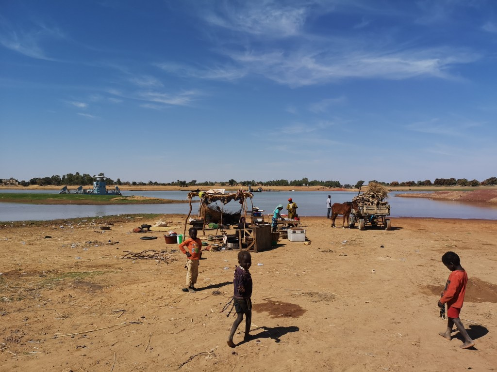 The only souvenir shop by the bank of Djenne