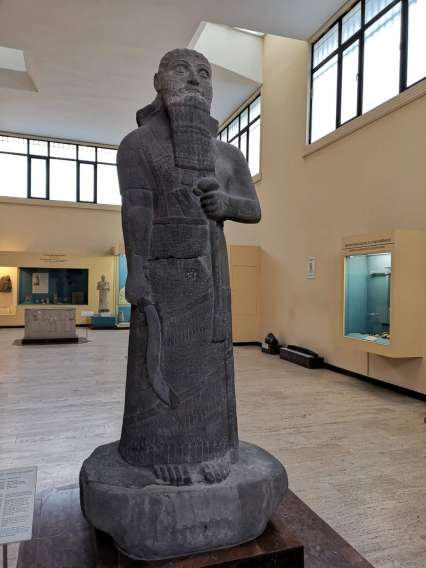 A statue at the archaeological museum of Istanbul