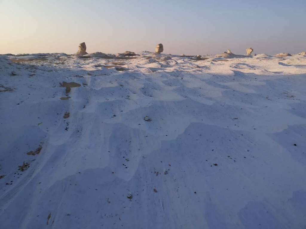 The white deserts in Egypt looks like a snowy landscape