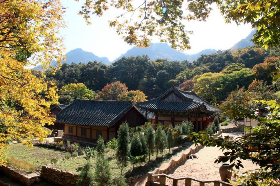Mt Kuwol Woljong Temple